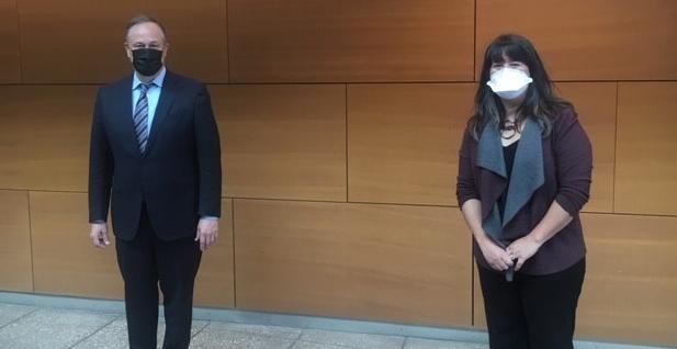 Women's Bureau Director Wendy Chun-Hoon and Second Gentleman Doug Emhoff in St. Louis